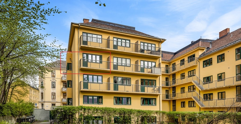 Velkommen til Brandts Gate 2D! Lys 2(3)-roms endeleilighet med idyllisk beliggenhet. Solrik balkong med pent utsyn og bad fra 2004. Oppussingsobjekt.