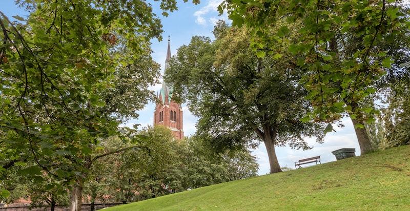 Herlig beliggenhet like vei Uranienborg kirke og Uranienborgparken