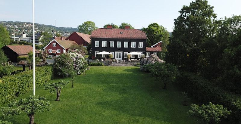 Østre Holmen gård