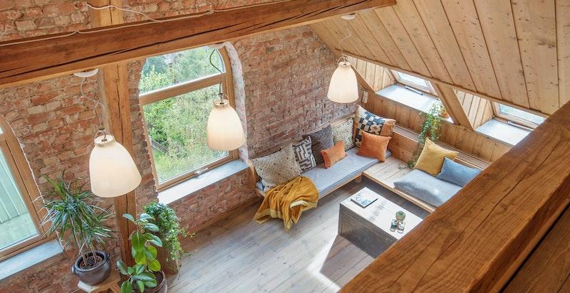 Bilde fra hemsen ned mot stuen