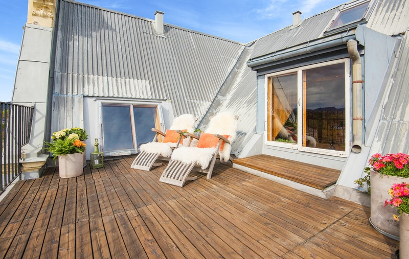 Egen privat takterrasse med fantastisk utsikt og svært gode solforhold