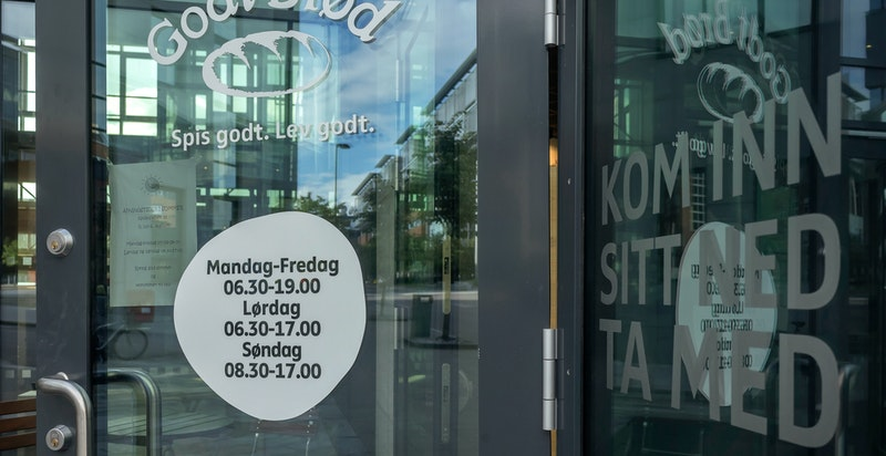 Nydalen har et godt servicetilbud med kafeer, bakeri og restauranter.