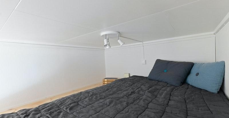 Praktisk hems for overnattingsgjester eller lagring