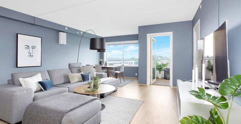 Utgang til solrik, vestvendt balkong fra stue