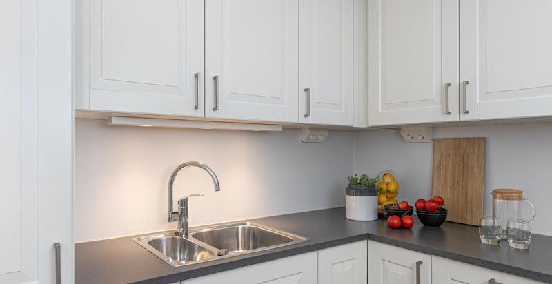 Moderne kjøkken fra Sigdal, komplett utstyrt med hvitevarer