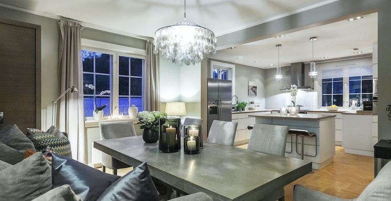 Kjøkkenet er fra 2007 og har integrerte kvalitetshvitevarer.