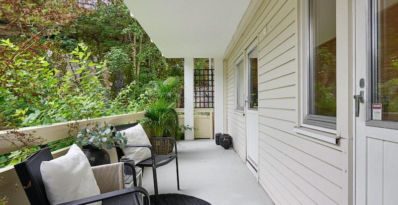 Balkong på 16 m² med utgang fra hovedsoverom og soverom 2