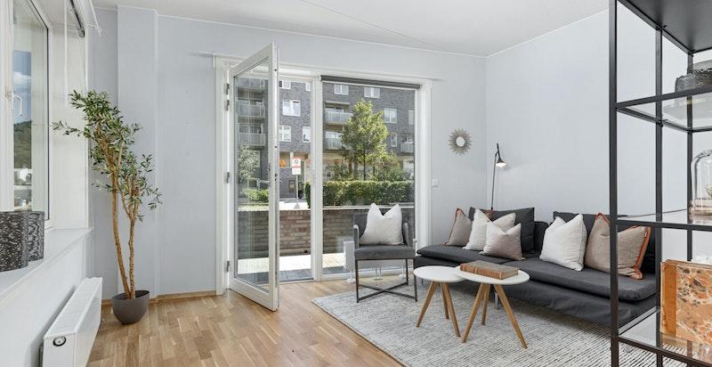 Stue/soverom med utgang til terrasse (hybel/sidedel)
