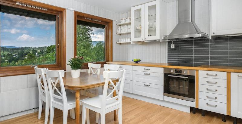Spiseplass på kjøkkenet