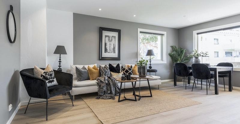 Alle rommene i boligen er nyoppusset i 2019 med gode materialvalg, fine fargekombinasjoner og smarte løsninger.