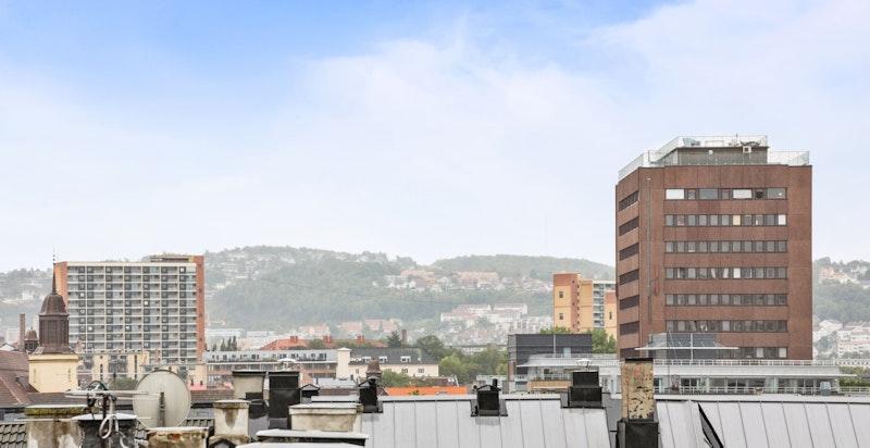 Nydelig utsikt over byens tak!