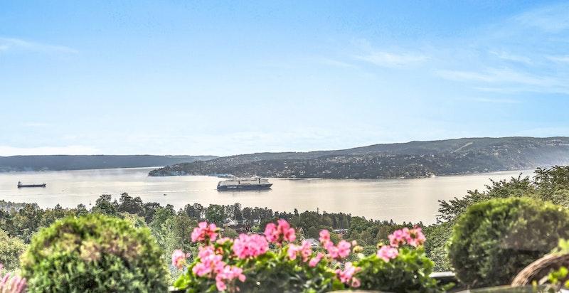 Velkommen til denne flotte utsiktsleiligheten i Hoffsjef Løvenskiolds vei 25 B!