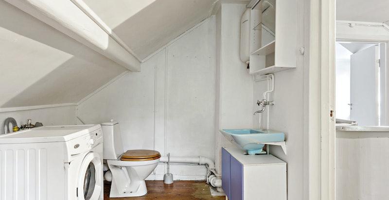 Vaskerom/toalettrom i 2. etasje