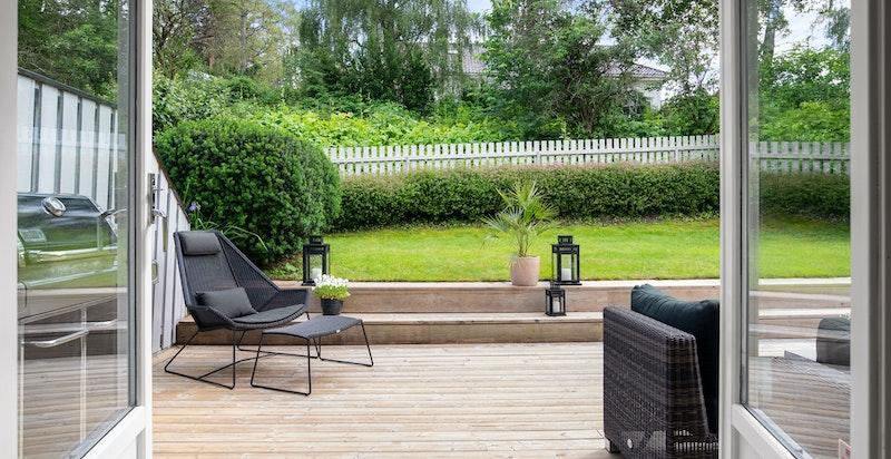 Terrassen blir en forlengelse av stuen på sommerhalvåret