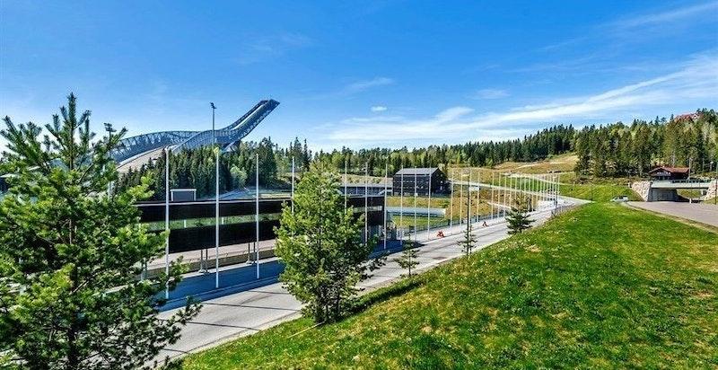 Riksanlegget i Holmenkollen, kun ca. 7 min med t-banen