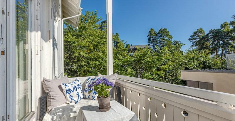 Sydøstvendt balkong med morgen- og formiddagssol