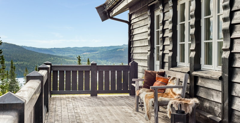 Terrasse med utgang fra stue