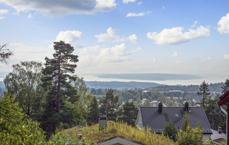 Herlig panoramautsikt over Oslofjorden og byen