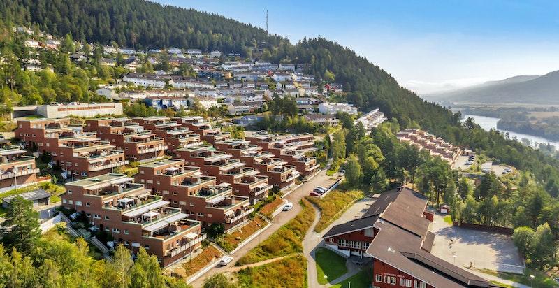 Furulia borettslag består av 94 leiligheter på Stenseth med nærhet til skole og butikk.