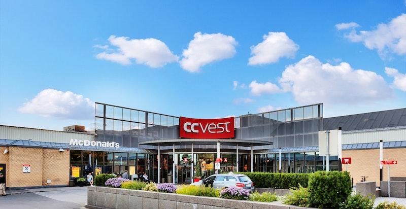 Kort avstand til CC Vest kjøpesenter med alle fasiliteter