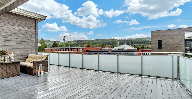Det er utvendig bod på terrasse, ca. 6kvm