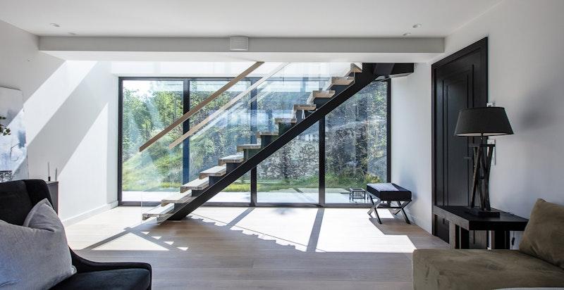 Stue nr 2, mot trapp