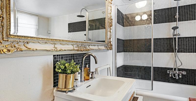 Bad med badekar