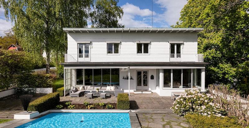 Herskapelig og godt vedlikehold funkisbolig beliggende attraktivt til på Grimelund/Vinderen