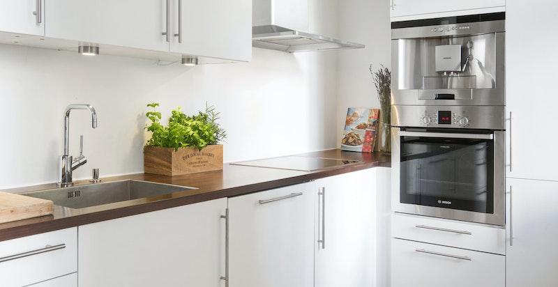 Integrerte hvitevarer på kjøkken