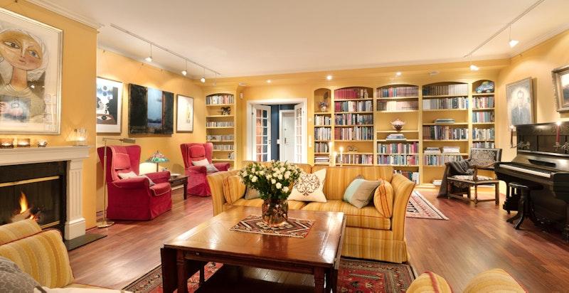 Bibliotekløsning i stuen