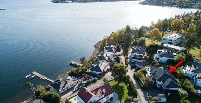 Meget flott beliggende med vakker utsikt over Oslofjorden