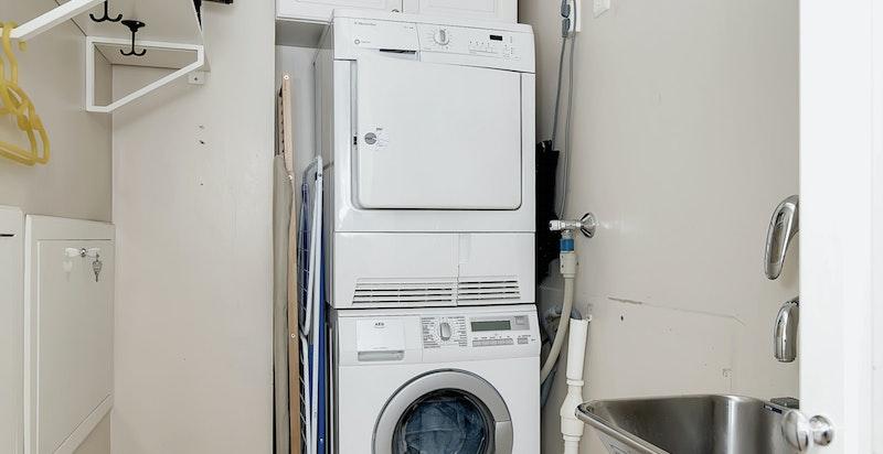 I tillegg finnes det et meget praktisk separat vaskerom.