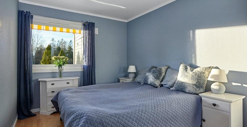 Soverommet har god plass til større dobbeltseng