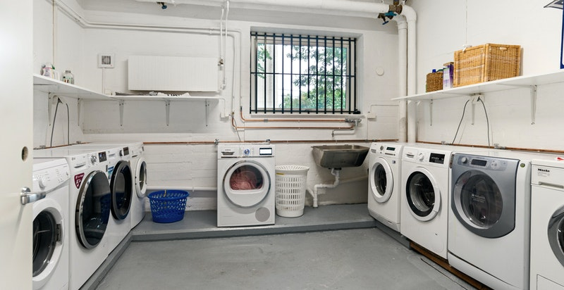 Dersom vaskerom i leiligheten omgjøres til soverom, kan vaskerom i 1. etasje benyttes med egen vaskemaskin