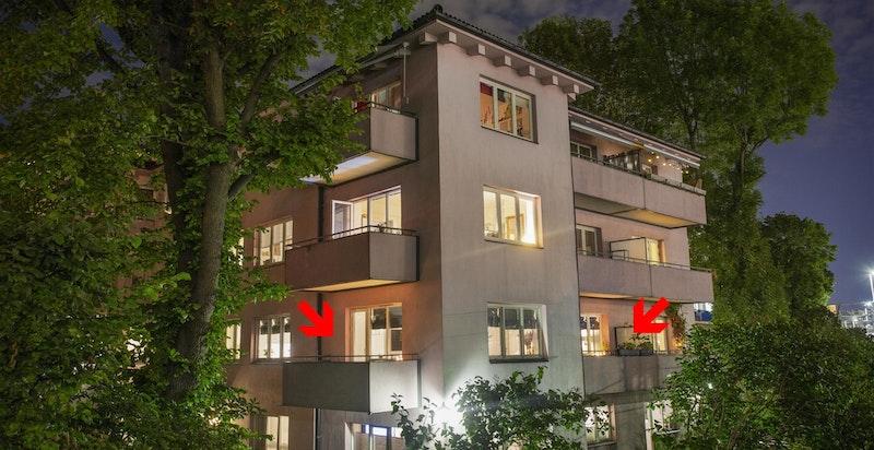 Boliggård med felles hage og parkering. Dersom loftutbygging blir vedtatt er det mulig at fasaden vil bli pusset opp.