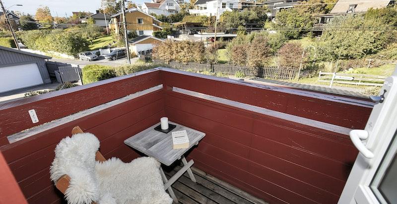 Badet har utgang til balkong på ca. 3 m²
