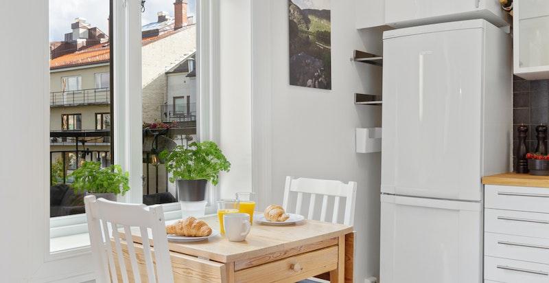 Spiseplass på kjøkken.