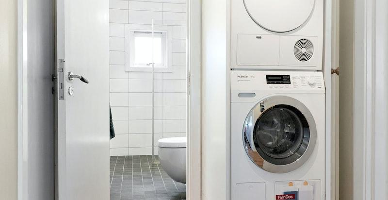 Opplegg for vaskemaskin og tørketrommel