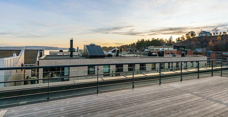 Felles takterrasse - fantastisk utsikt og sol hele dagen