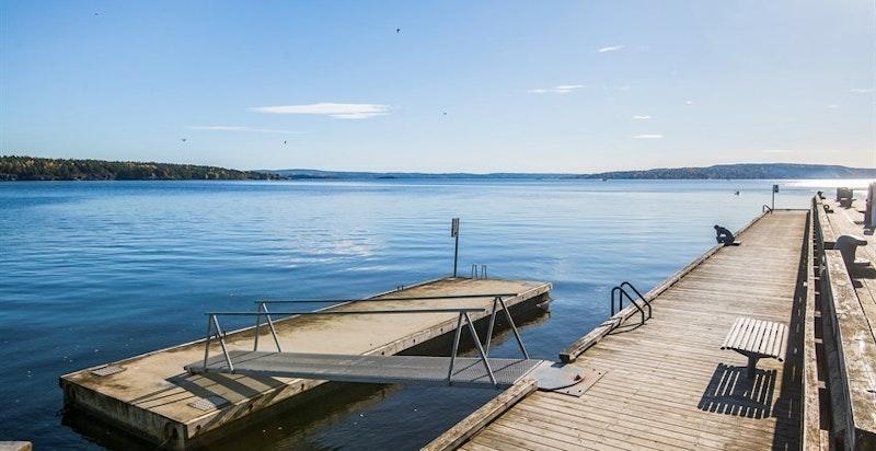 Lysaker Brygge - på Lysaker Brygge finnes det bademulighet og gjestebrygge for båter