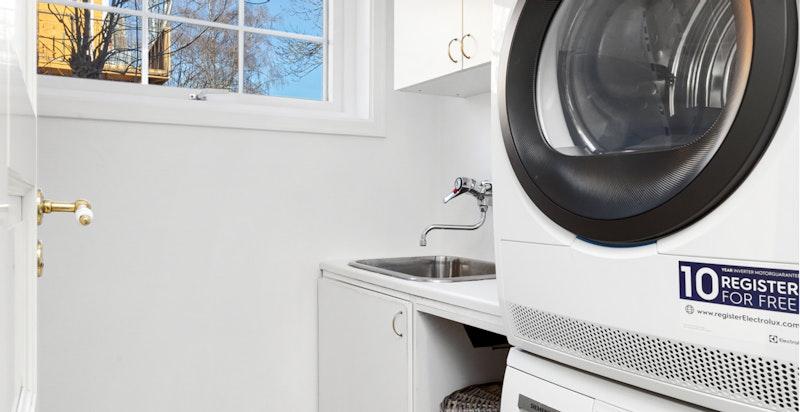 Vaskerom med opplegg for vaskemaskin og tørketrommel