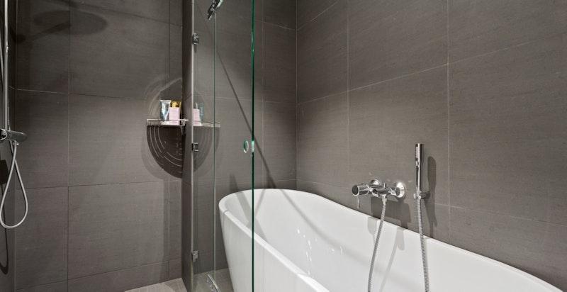 Lekkert bad med varmekabler i gulv