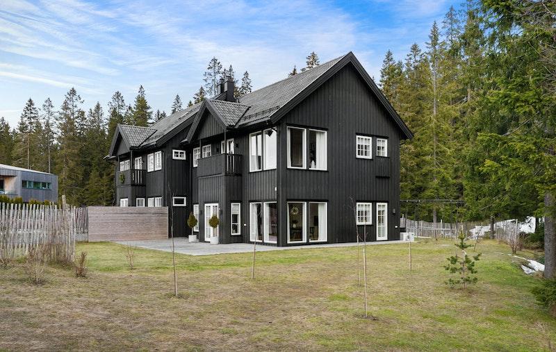 Velkommen til Orreskogen 23 B - innerst/øverst i boligfeltet like ved markagrensen!