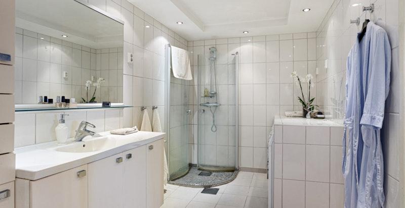 Opplegg til vaskemaskin og tørketrommel på badet