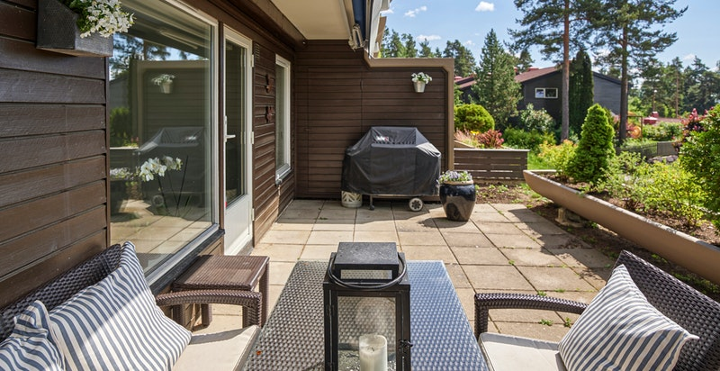 Stor og meget trivelig terrasse på ca 21 kvm gode solforhold