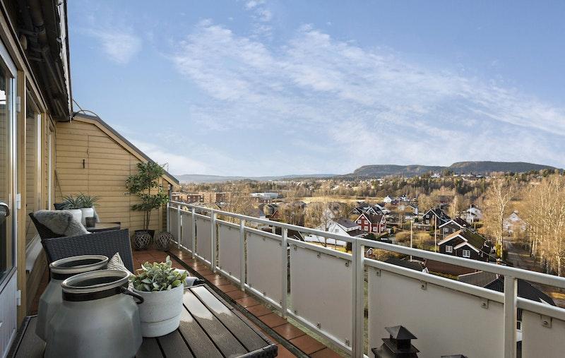Romslig veranda på 15,5 kvm