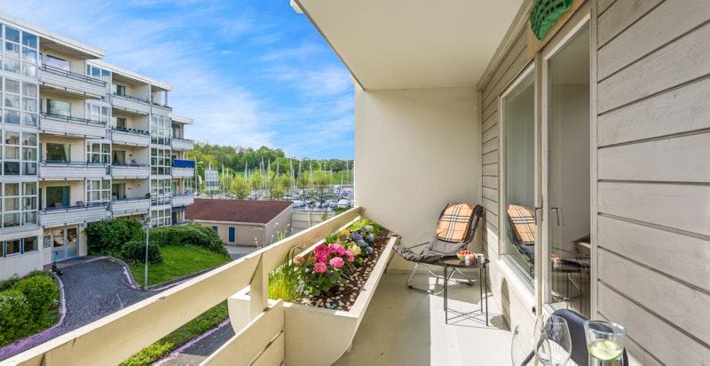Overbygget veranda med bod