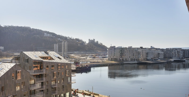Utsikt fra balkongen mot Sørenga.