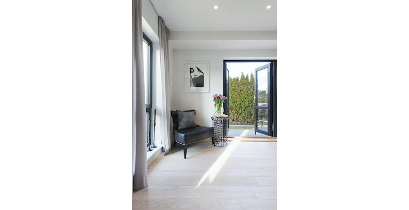Interior2b