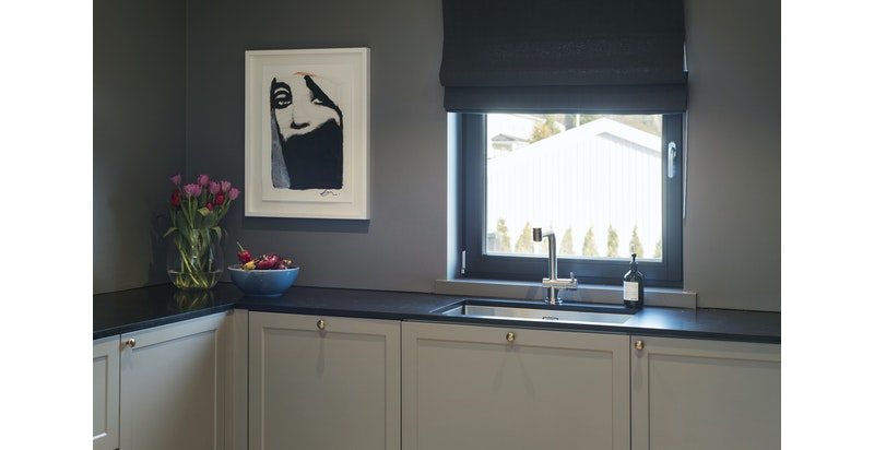 Kjøkkenet er snekkerbygget og spesialdesignet for prosjektet
